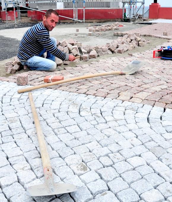 Foto: Pflasterarbeiten auf dem Kurplatz (Kurverwaltung Binz)