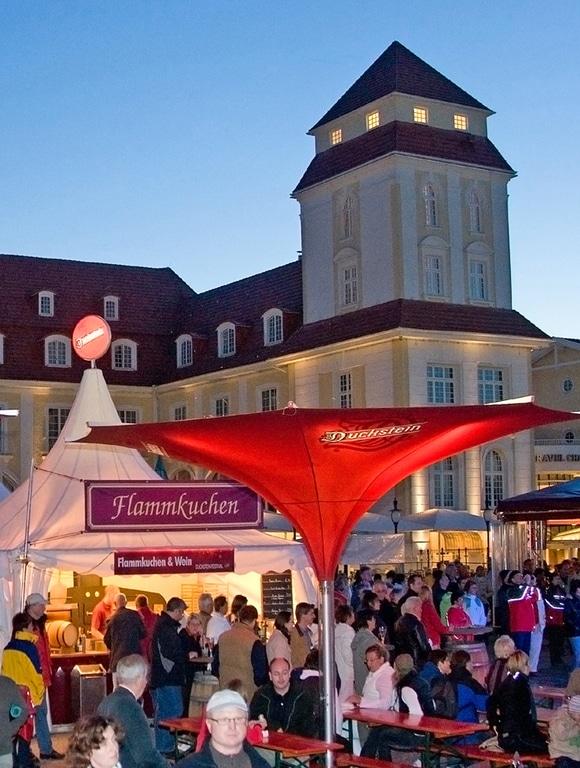 Foto: Festival-Areal auf dem Kurplatz (Photo Zobler Binz/Rügen)